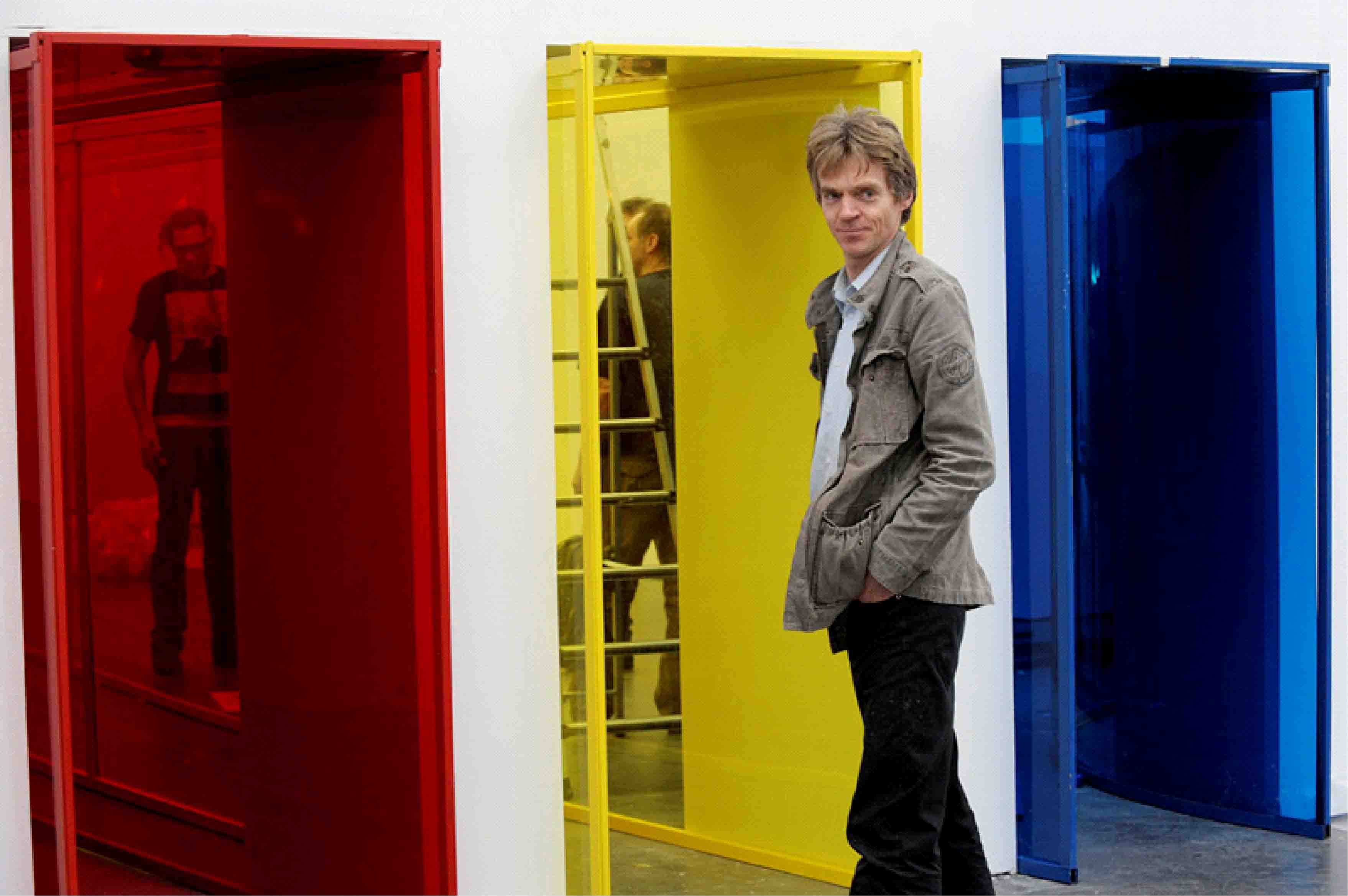 Job Koelewijn in front of 'red, yellow and blue'