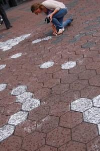 Everdien Breken Spelen op Straat Damrak Amsterdam 08