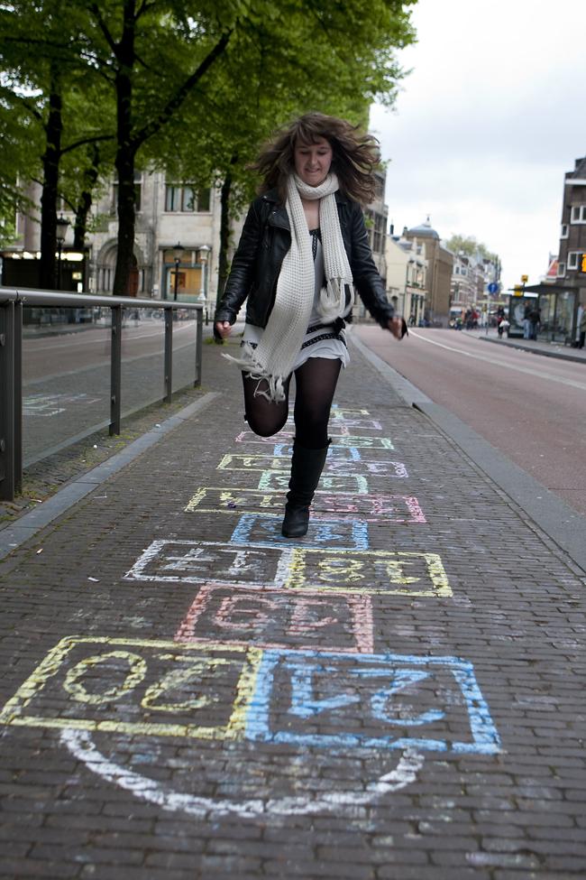 Ilvy Njiokiktjien Spelen op Straat Janskerkhof Utrecht 04